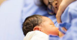 ประโยชน์การเลี้ยงลูกด้วยนมแม่